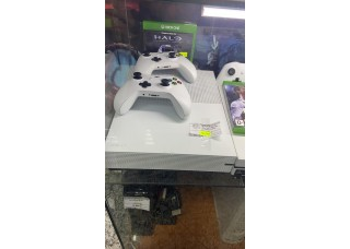 Xbox One S 1TB + Halo Master Chief Collection